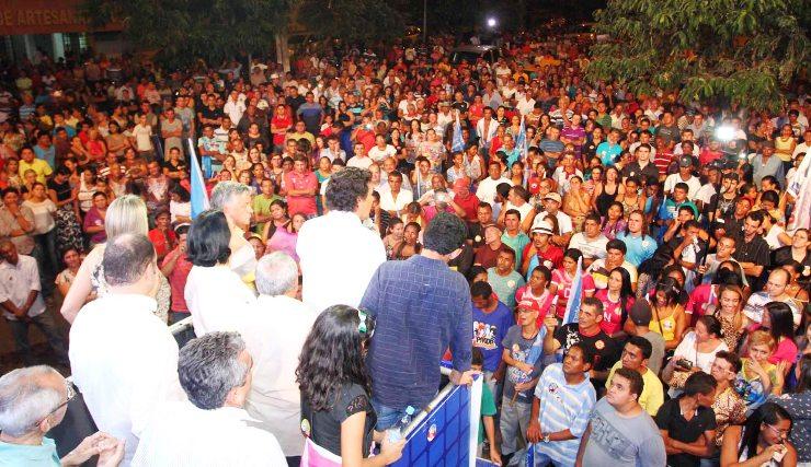 FOTO GILSON TEIXEIRA -  Lobão faz comício em São João dos Patos (4)