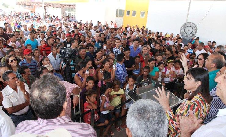 Foto 3 Roseana inaugura hospital de afonso cunha foto Geraldo Furtado
