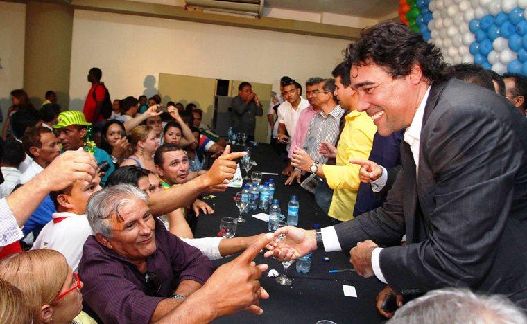http://caiohostilio.com/wp-content/uploads/Lob%C3%A3o-Filho-participa-de-conven%C3%A7%C3%A3o-do-PRB-foto-Gilson-Teixeira-4.jpg